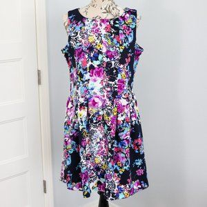Taylor Fit and flare floral dress, with pockets!